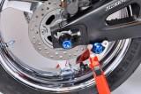 Padací protektory do zadní osy kola Triumph Speed Triple T509 / 955i (02-04) RD moto